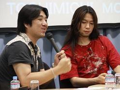話しかけるモリさんと石渡さん